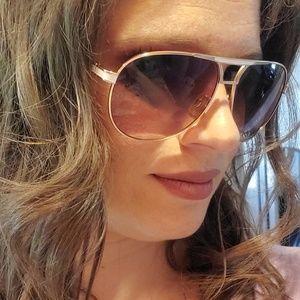 Tahari Aviator sunglasses
